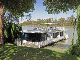 Moving Waters Self Contained Moored Houseboat - Tourism Brisbane