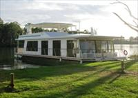 Cloud 9 Houseboats - Tourism Brisbane